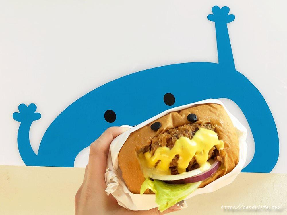20180219215139 19 - HELLO Burger│逢甲夜市巷弄中的可愛漢堡店,漢堡堡是採用鮮奶吐司做成的~