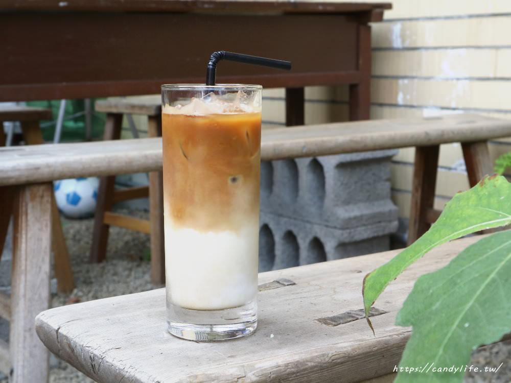 20180325224016 16 - 里厚來坐忠勤街自家烘焙咖啡店│隱身在都市裡的老宅咖啡,除了單品咖啡外,還有手作甜點唷~