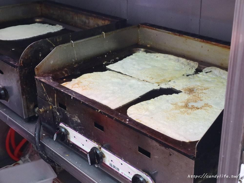 20180514072955 41 - 逢甲炒餅條│傳統技法古早味蛋餅,搭配特製肉燥及家傳蔥辣醬就是讚~