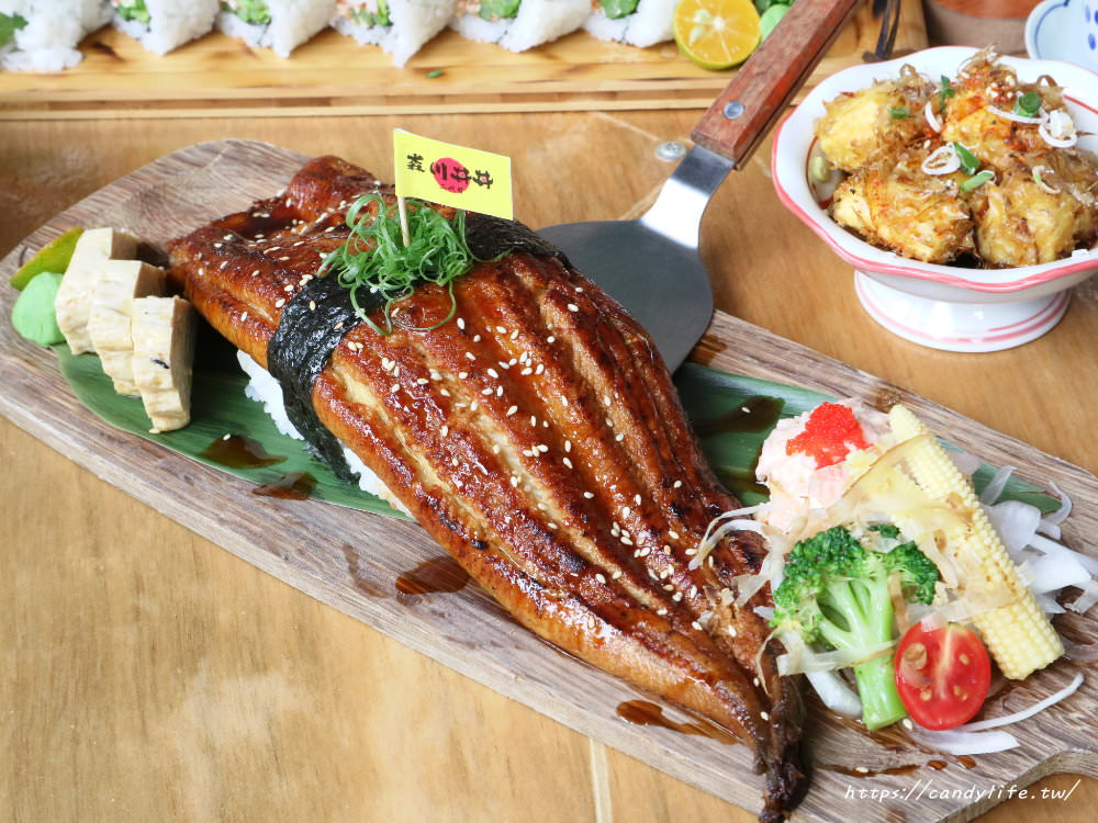20180831073816 39 - 台中森川梅亭橫町│比臉大的巨無霸野鰻握壽司,一個人根本吃不完