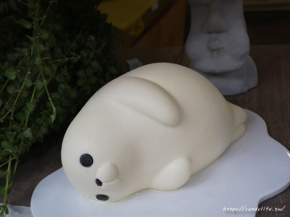 20181007130807 30 - 台中生日蛋糕~胖嘟嘟海寶慵懶上市!