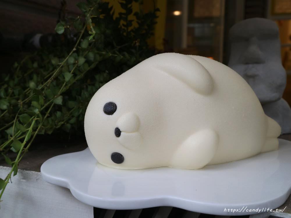 20181007130808 51 - 台中生日蛋糕~胖嘟嘟海寶慵懶上市!