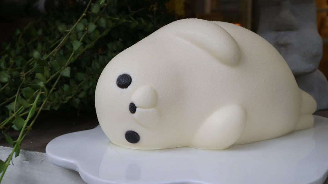 台中美食│耕者有其甜〃台中生日蛋糕~胖嘟嘟海寶慵懶上市!