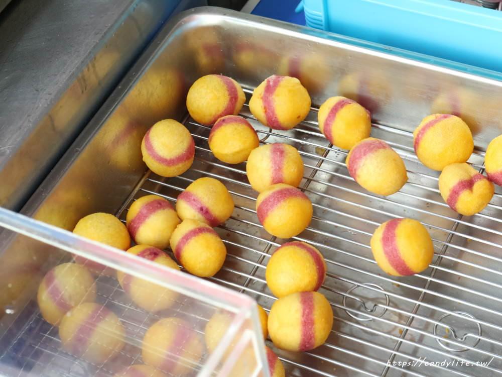 20181025183401 91 - 一開賣就大排長龍的小8三色地瓜球,酥脆又大顆~