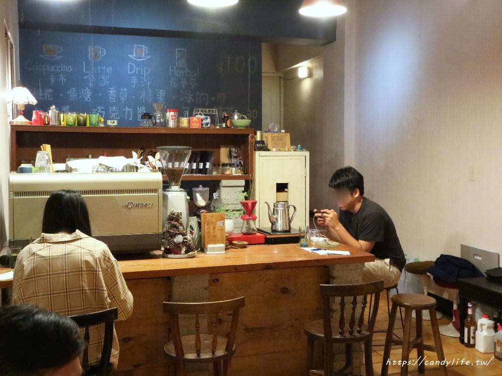 20181223224751 8 - 沒有招牌也沒有名字的咖啡館,咖啡一杯只要100元,還有超好吃的千層蛋糕~