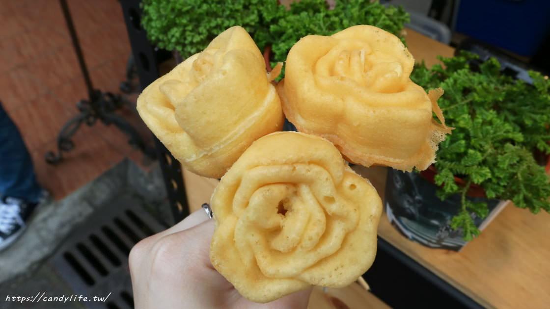 台中美食│南屯三角窗雞蛋糕〃南屯也出現玫瑰花雞蛋糕!還有綠豆沙牛奶口味雞蛋糕,近萬和宮~