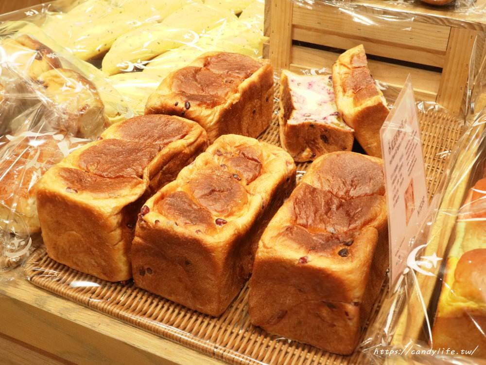 20191120085701 46 - 吳寶春新品「紅豆粉粿吐司」一出爐就搶空,每日限量,晚來吃不到~