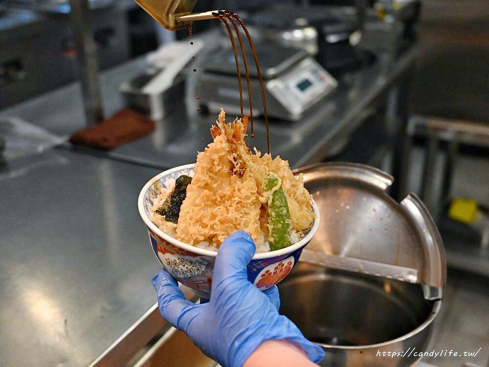 金子半之助│日本人氣天丼專賣店進駐台中,用餐時刻人潮滿滿,超大一碗配料整個滿出來!