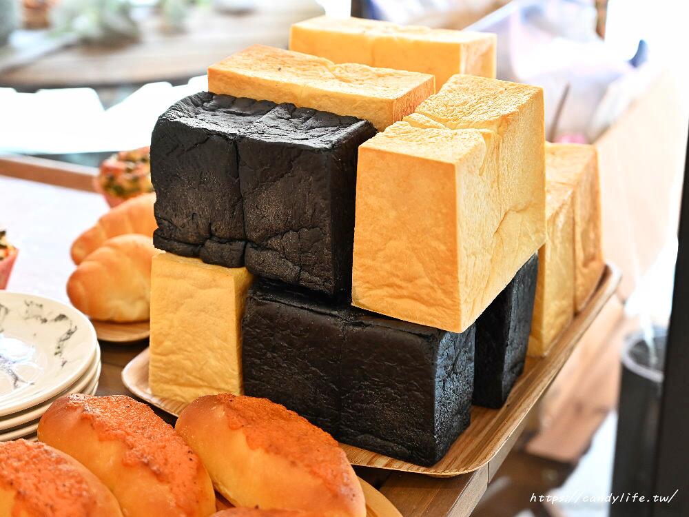 20200623091219 21 - 熱血採訪│台中超狂黑色系麵包、甜點在這裡,黑可頌、極黑起司明太子、極黑生吐司、極黑芝麻重乳酪,就是要讓你黑到底!
