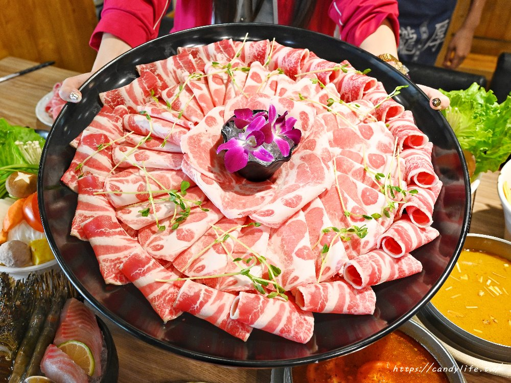 20201112121455 85 - 熱血採訪│大胃王肉盤真的超霸氣,限時內吃完結帳直接在扣500元現金,憑卷再送藍鑽蝦