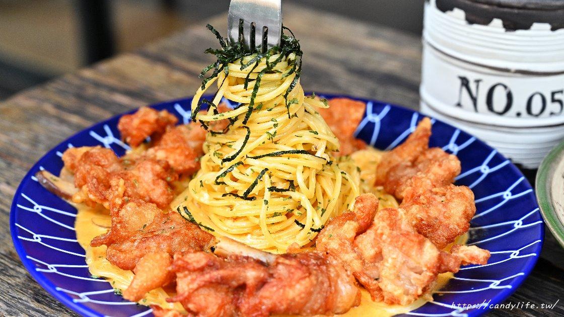 巷弄中的義大利麵店,每日例湯、點心無限量供應吃到飽,品項眾多又免收服務費,老闆也算是佛心來的